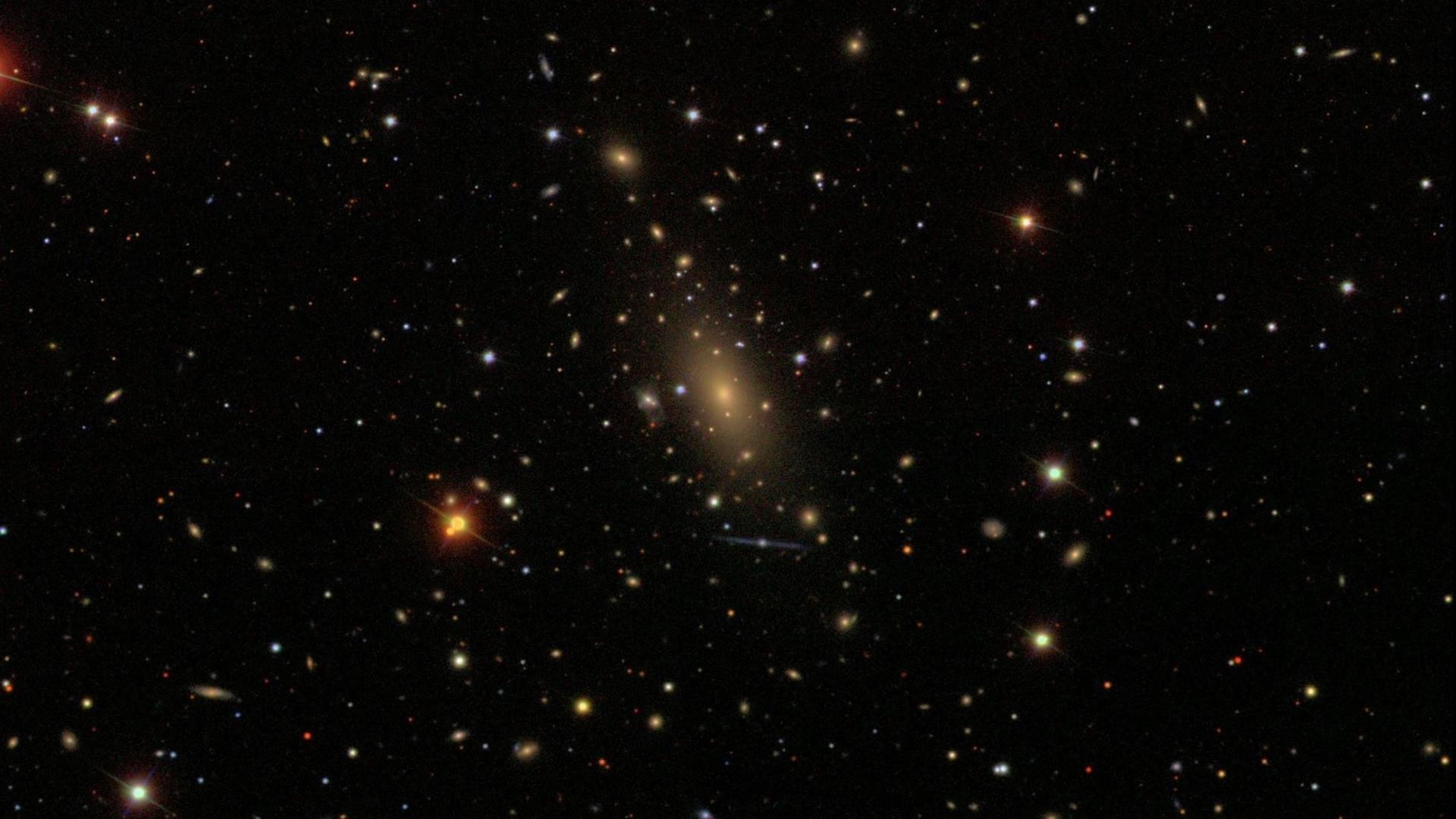 Kalıntı galaksi samanyolunun yanında görüntülendi