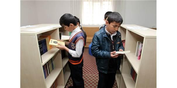 Hakkaride semt kütüphaneleri projesinde iyi sonuç