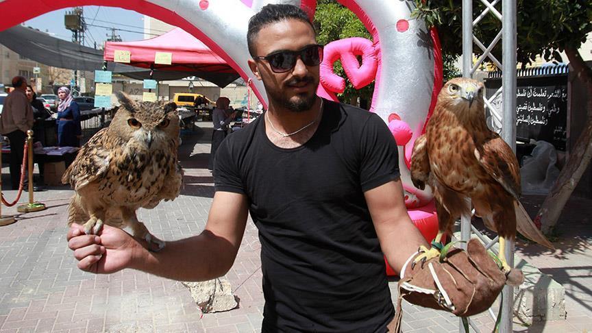 Filistinde kuş ve çiçek fuarı