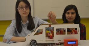 Öğrencilerden buluş 'Fazla yolcu uyarı sistemi'